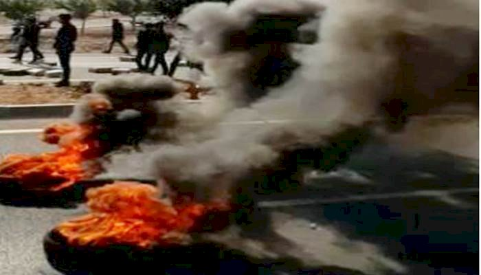 Urfa'da Meydana Gelen Trafik Kazası Nedeni İle Yolu Trafiğe Kapattılar